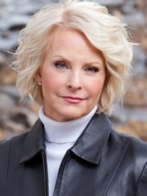 Headshot of Cindy McCain, who will be the keynote speaker at the 2021 AANP National Conference