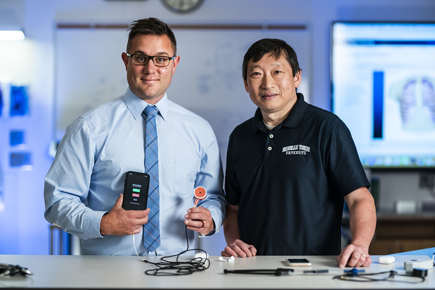 Drs. Craig Nuttall and Chia-Chi Teng demonstrate their Bluetooth, 3D-printed stethoscope.